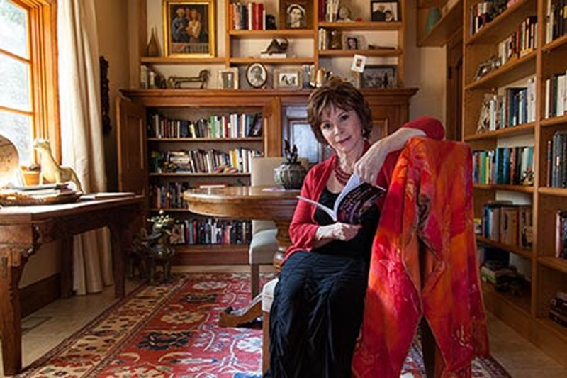 Editores españoles reconocen a Isabel Allende con el Premio Liber 2020