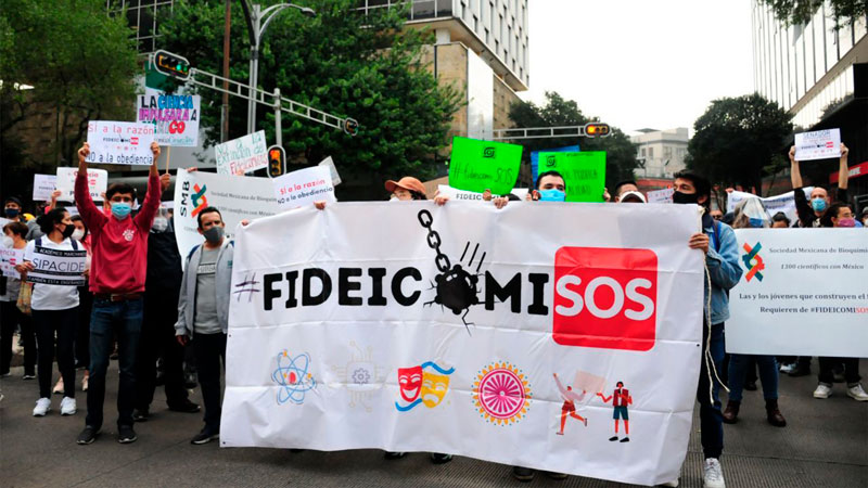 Incertidumbre entre periodistas desplazados por desaparición de Fideicomiso