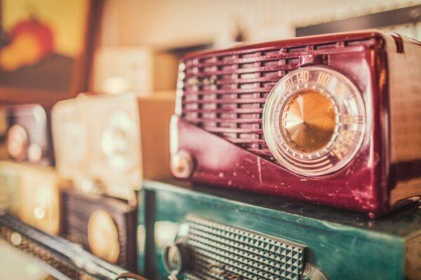 Radio Educación estrena la serie Desengánchate